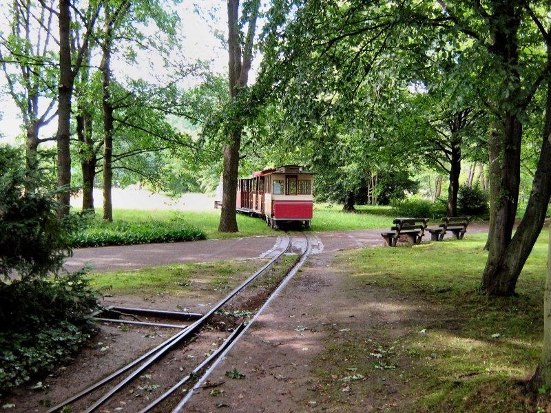 Britzer Garten In Berlin Britz Sommer 2007 Mit Blick Auf Die Parkeisenbahn Landschaftsfotos Eu