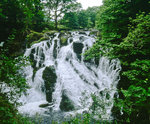 Wasserfall am Cape Curig in North Wales.